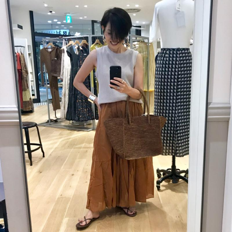 IENA(イエナ)の「コットンボイルギャザーパネルスカート◆」をあわせたコーディネートです