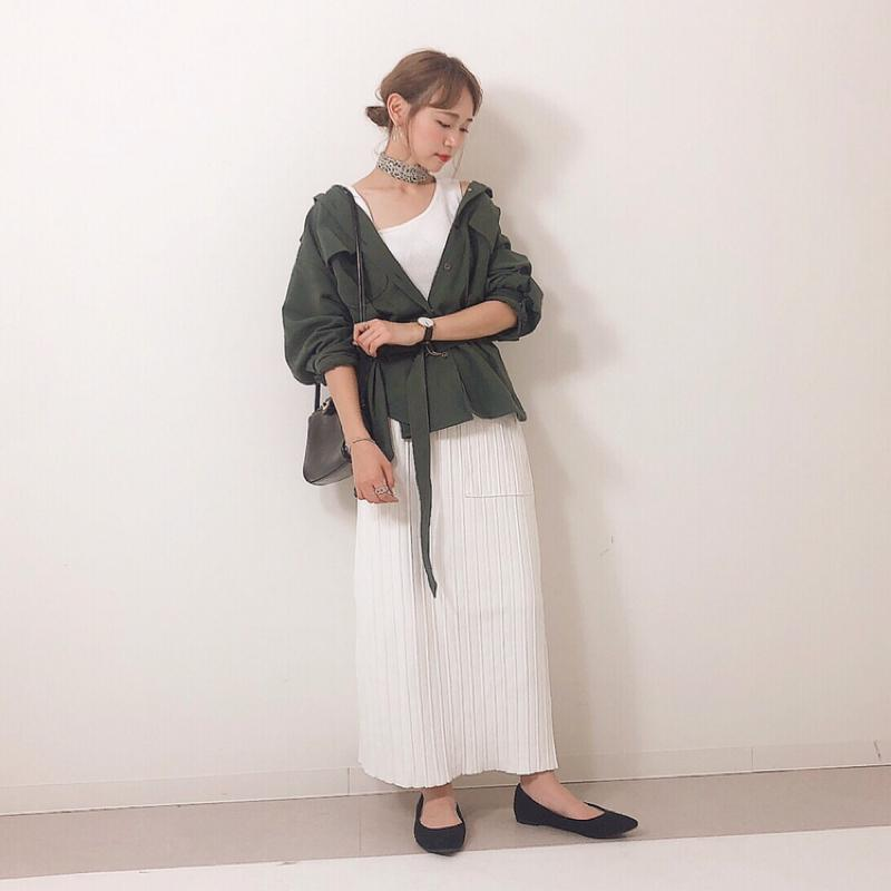 w closet(ダブルクローゼット)の「ポケット付きロングスカート」をあわせたコーディネートです