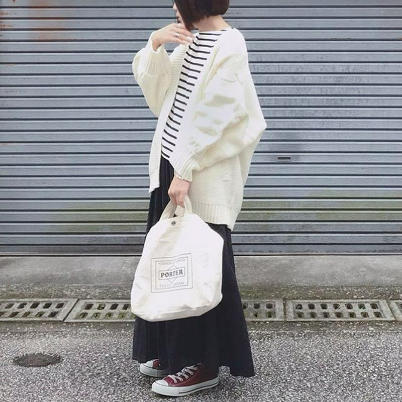 URBAN RESEARCH(アーバンリサーチ)の「TRAVEL COUTURE by LOWERCASE キャンバストートバッグM」をあわせたコーディネートです