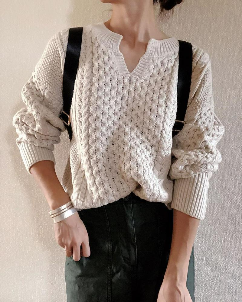 GU(ジーユー)の「ケーブルキーネックセーター(長袖)(セットアップ可能)」をあわせたコーディネートです