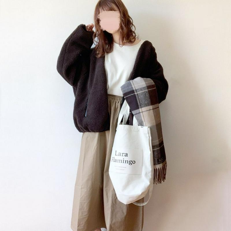jolielle(ジョリエル)の「セレクト  ギャザーロングスカート 綿 コットン ロングスカート ギャザー マキシ丈 ウエストゴム 秋冬」をあわせたコーディネートです