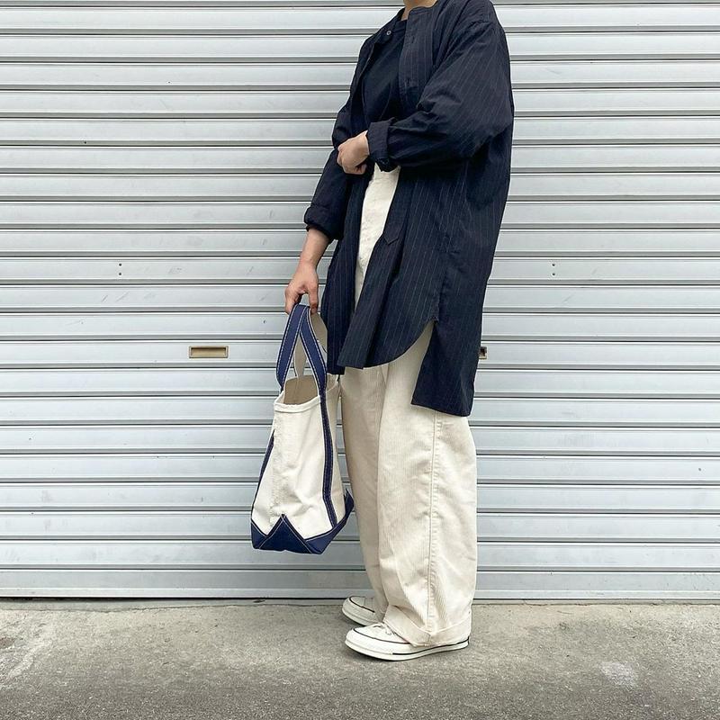 UNIQLO(ユニクロ)の「ハイウエストコーデュロイワイドストレートパンツ(丈標準70~72cm)」をあわせたコーディネートです