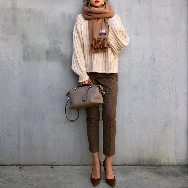 H&M(エイチアンドエム)の「リブニット タートルネックセーター」をあわせたコーディネートです
