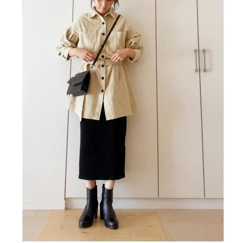 UNIQLO(ユニクロ)の「リブタイトロングスカート(丈標準76~80cm)」をあわせたコーディネートです