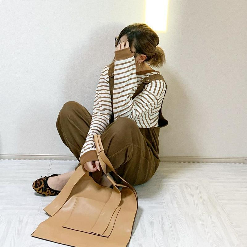 ZARA(ザラ)の「外側ポケット付きトートバッグ」をあわせたコーディネートです