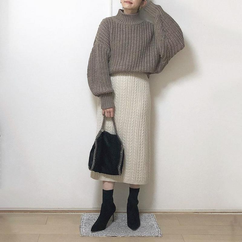 H&M(エイチアンドエム)の「チャンキーニットセーター」をあわせたコーディネートです