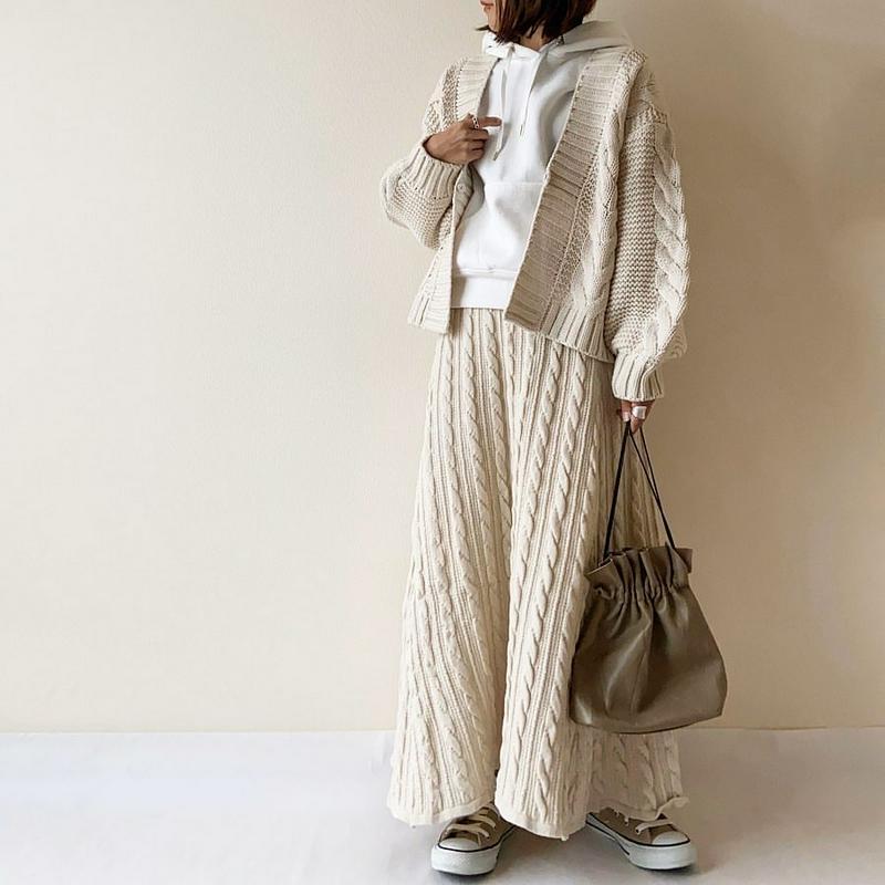 titivate(ティティベイト)の「ケーブルニットフレアスカート」をあわせたコーディネートです