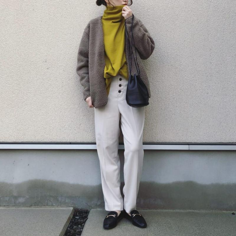 GU(ジーユー)の「シープボアフリースカーディガン(長袖)」をあわせたコーディネートです