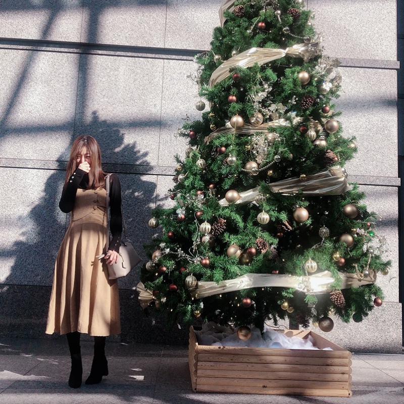 H&M(エイチアンドエム)の「ファインニット タートルネックセーター」をあわせたコーディネートです
