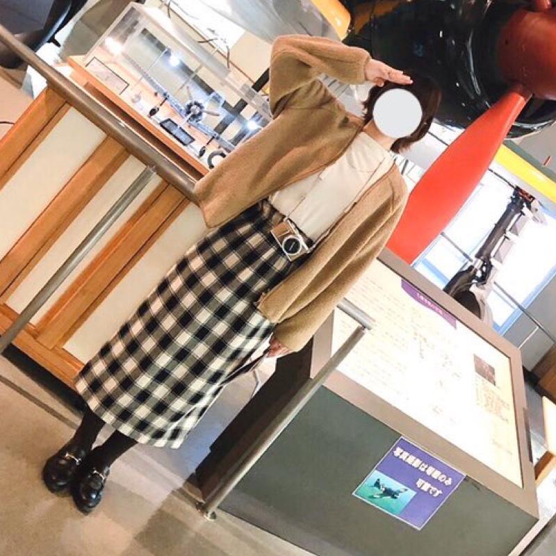 coca(コカ)の「【メール便不可】バックスリットチェック柄タイトスカートcocaオリジナル/鈴木詩織さん着用(ロングスカート ロング丈 ウエストゴ」をあわせたコーディネートです