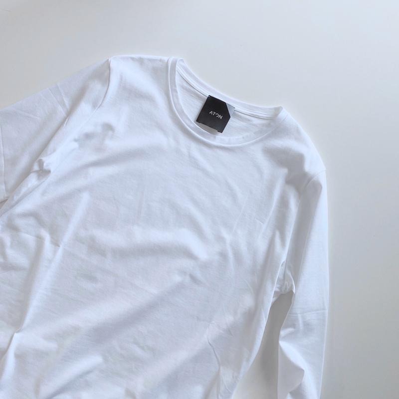 Demi-Luxe BEAMS(デミルクス ビームス)の「【一部予約】ATON / スビン ラウンドヘム ロングスリーブTシャツ」をあわせたコーディネートです