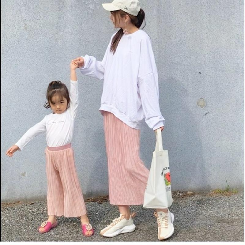 AG by aquagirl(エージー バイ アクアガール)の「FRUIT OF THE LOOM(フルーツ オブ ザ ルーム)PVCプリントトートバッグ」をあわせたコーディネートです