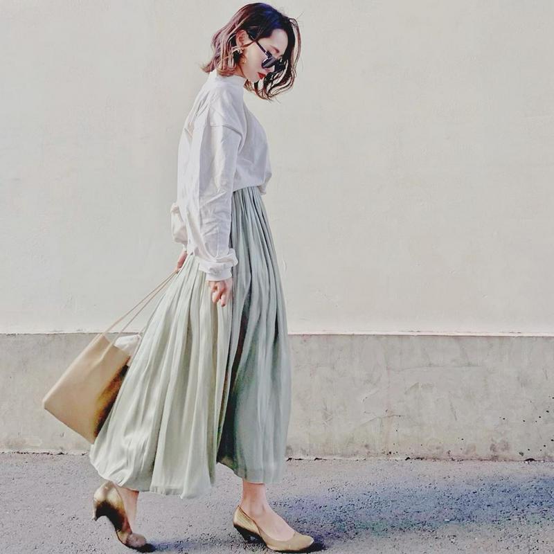w closet(ダブルクローゼット)の「シャイニーサテン×チュール リバーシブルスカート」をあわせたコーディネートです