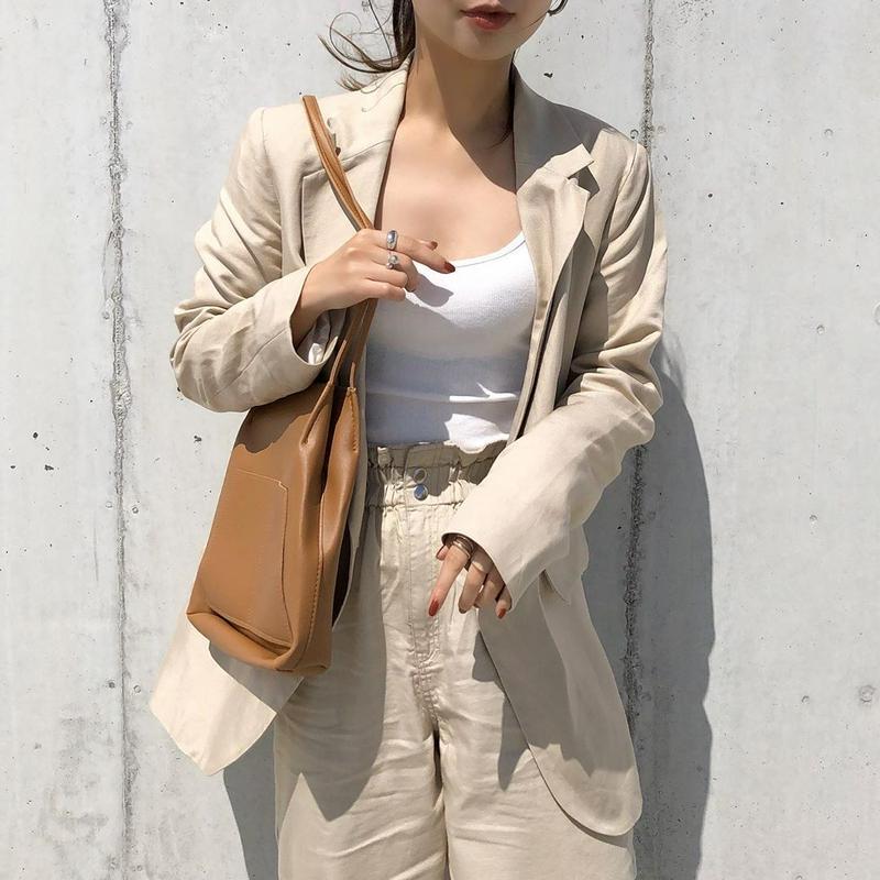 H&M(エイチアンドエム)の「リネンブレンドジャケット」をあわせたコーディネートです