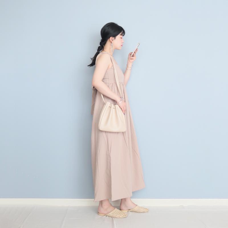 shopnikoniko(ショップニコニコ)の「巾着 バッグ ショルダー バッグ レディース 合成皮革 ma 【即納】 PUレザー 無地 レディース Instagram」をあわせたコーディネートです