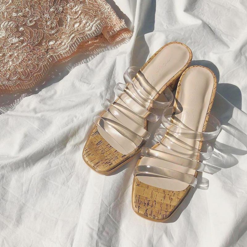 KOBE LETTUCE(コウベ レタス)の「サンダル レディース クリアチューブベルトサンダル [I2084]【入荷済】【送料無料】 レディース 靴 シューズ サンダル ク」をあわせたコーディネートです