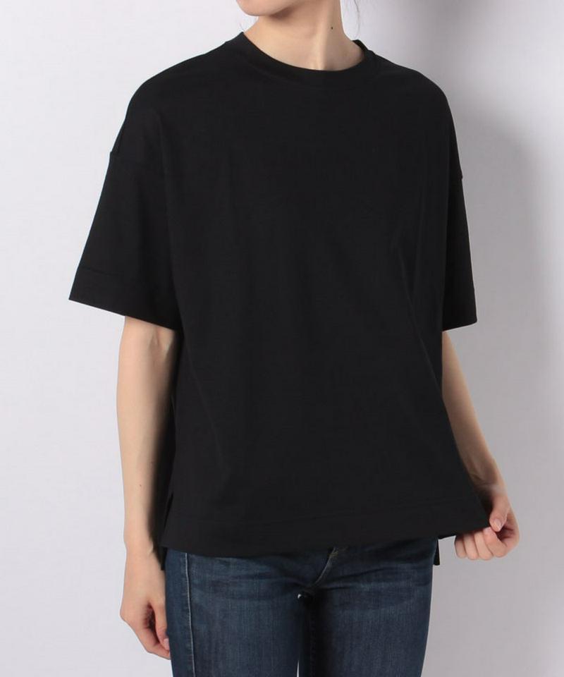 カジュアルTシャツ