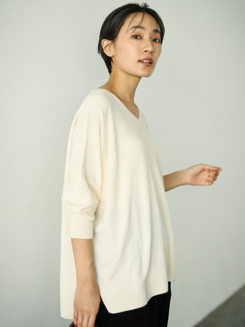 【Special Price】フワフワVネック裾スリットニットプルオーバー