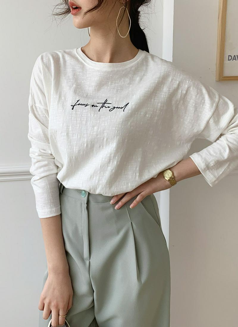 刺繍レタリングTシャツ・全4色