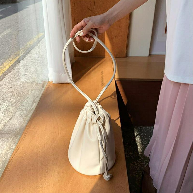 2WAY巾着バッグ・全3色・d58503 レディース 【bag】【韓国 ファッション バッグ 鞄 ミニ 巾着 ハンドバッグ 無地 カジュアル 大人 夏 秋 春】