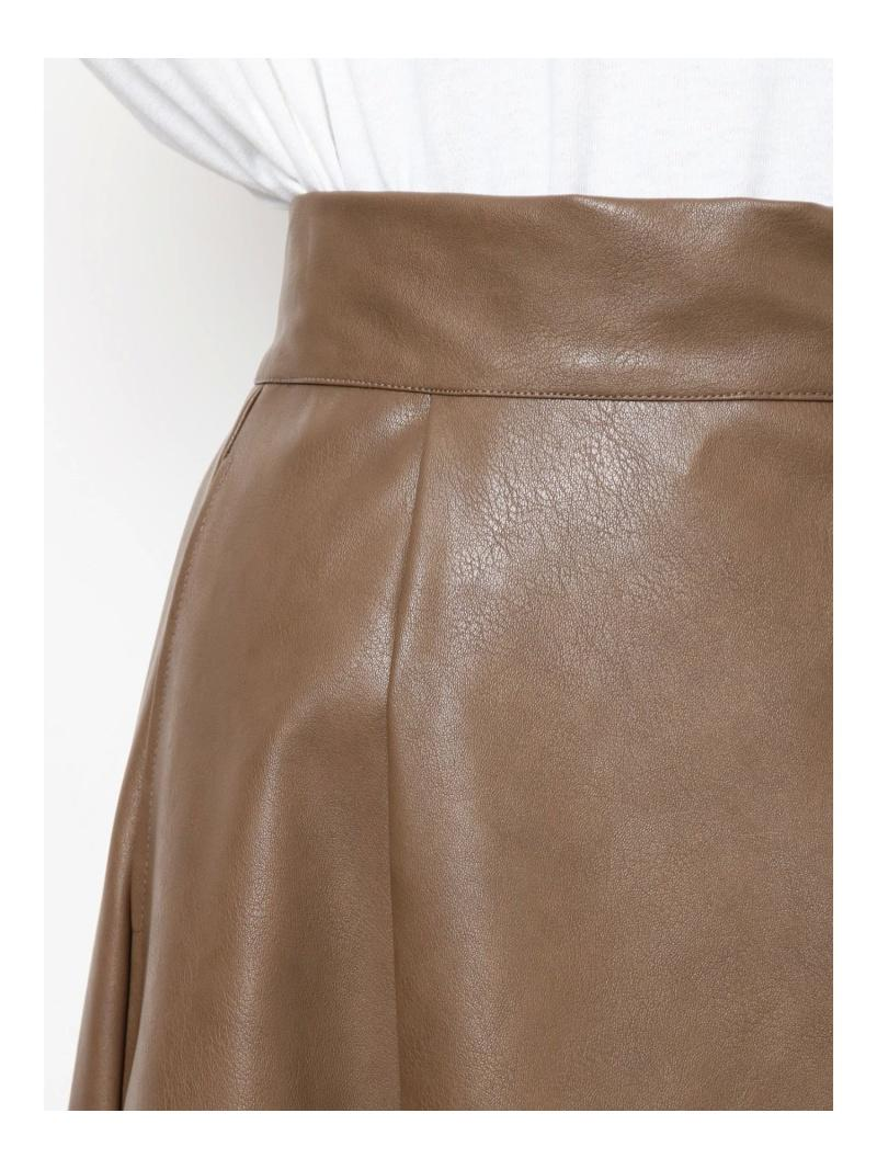 フェイクレザーフレアスカート