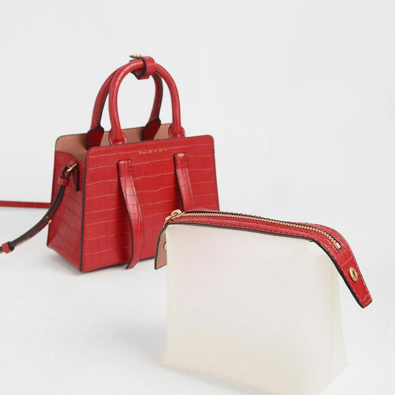 クロックエフェクト ハンドバッグ / Croc-Effect Handbag (Red)