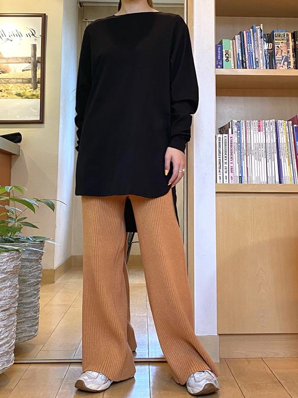 Round slit long sleeve