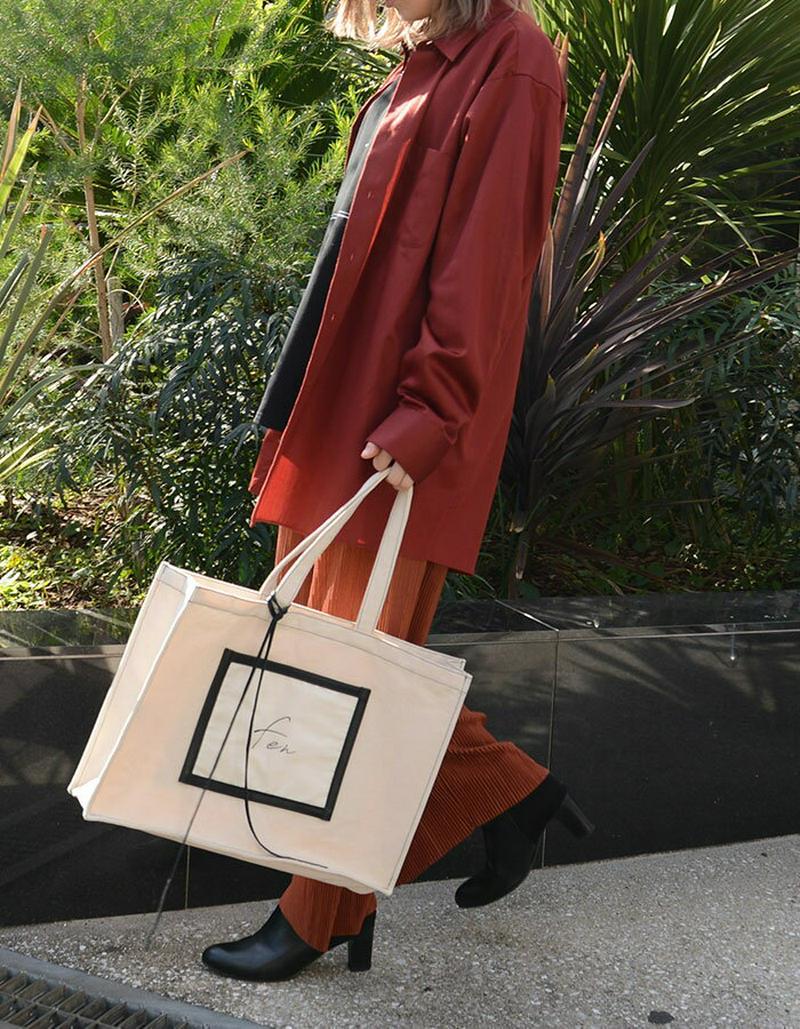 【送料無料】fen レタリング ロゴ キャンバス バッグ レディース かばん 鞄 本革 革紐 キャンバスバッグ トートバッグ トート A3 ロゴバッグ ポケット付き ステッチ パイピング F フリー