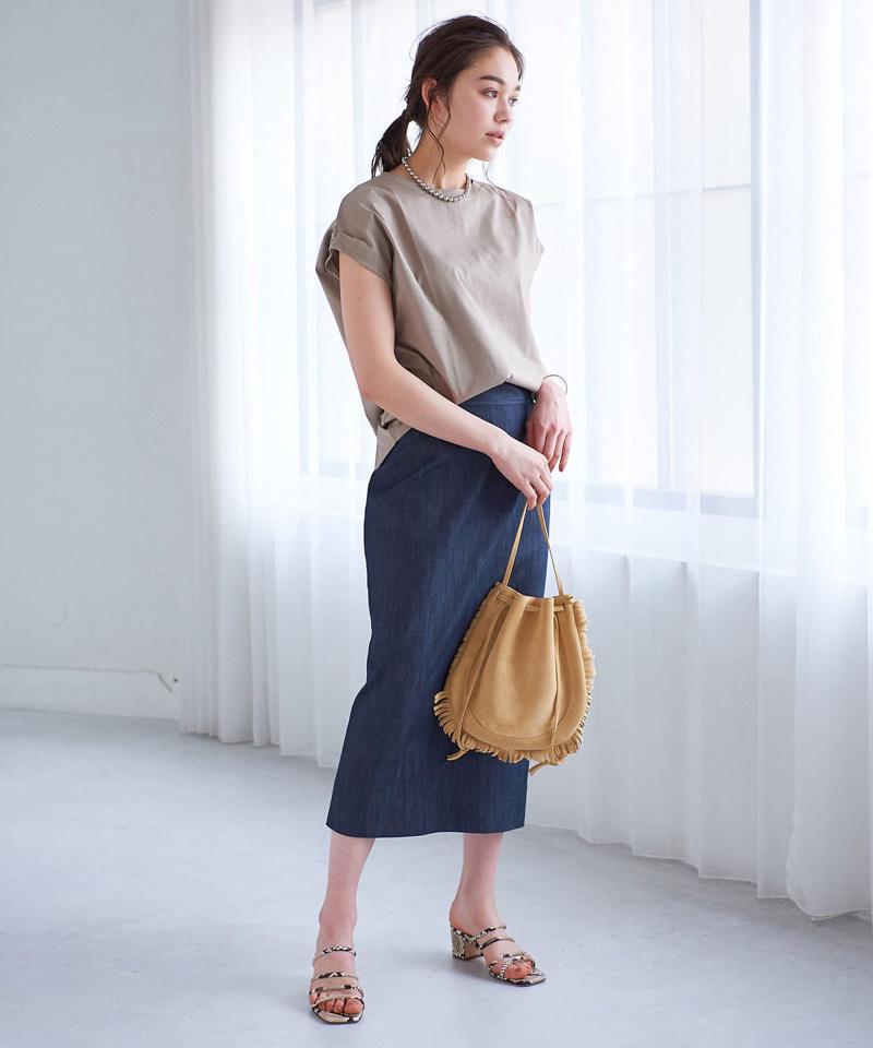 【手洗い可】バックテールクルーネックカットソー