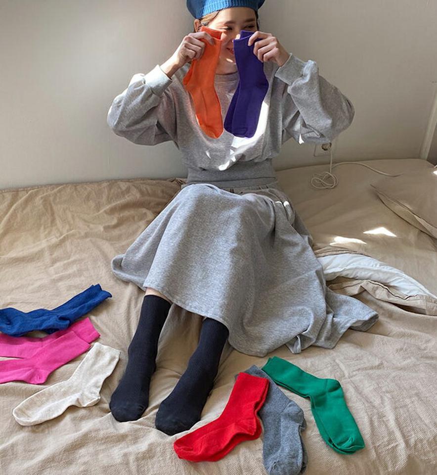 リブソックス・全10色・56941 レディース 【acc】【韓国 ファッション ソックス 靴下 リブソックス ロング ロングソックス スリム やわらかい ベーシック リブ カジュアル ガーリー くつ下 くつした 無地 シンプル 秋 春】