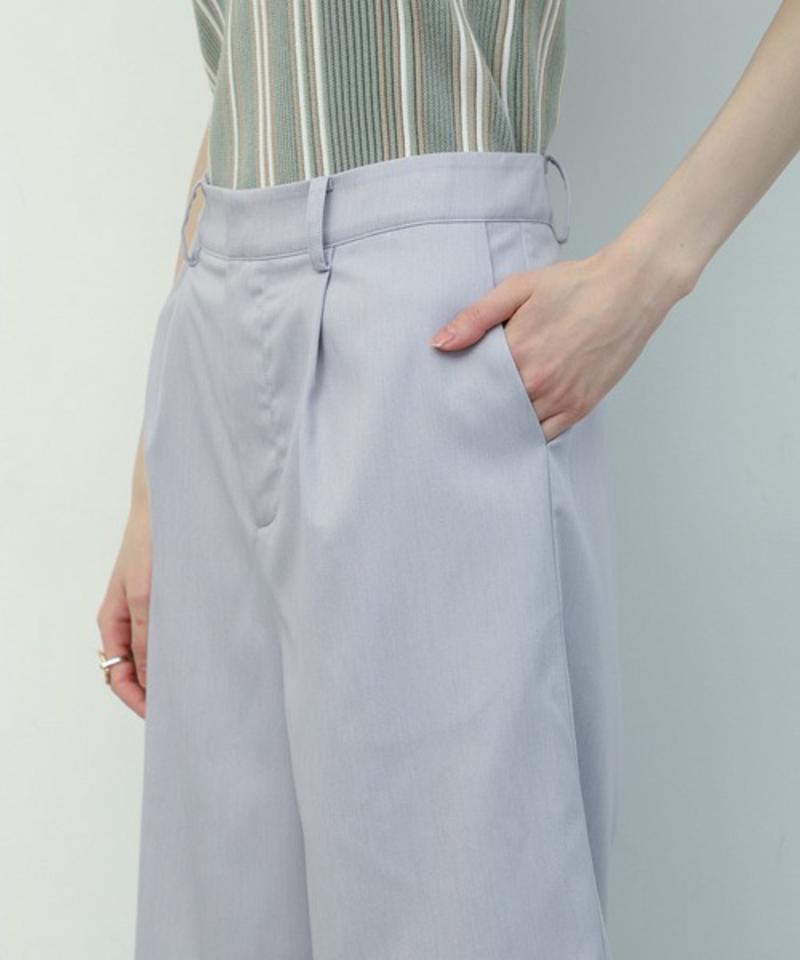 【足のラインを綺麗に魅せてくれる】SET UP ハーフタックパンツ