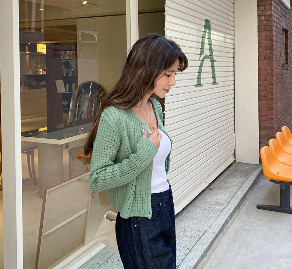 【只今10%OFF】パンチングカーディガン・全4色・t57134 レディース 【cd】 韓国 ファッション カーディガン カーデ 長袖 パンチング ラウンドネック デコルテ ベーシック 上品 大人 スリム フィット 春 夏