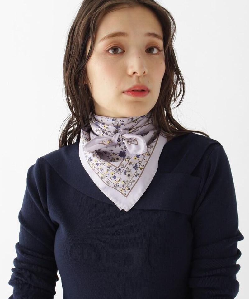 小花柄サテンスカーフ
