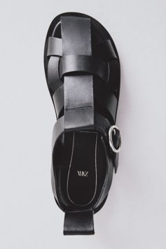 FLAT LEATHER CAGE SANDALS