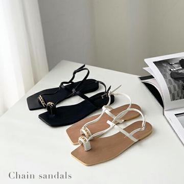 【送料無料】『チェーンサンダル』(ホワイト/ブラック)(23/24/25cm)フラット/シンプル サンダル/デザイン サンダル/おしゃれ/シンプル/大人/レディース 靴/アラフィフ/アラフォー/アラサー/30代/40代/50代/60代