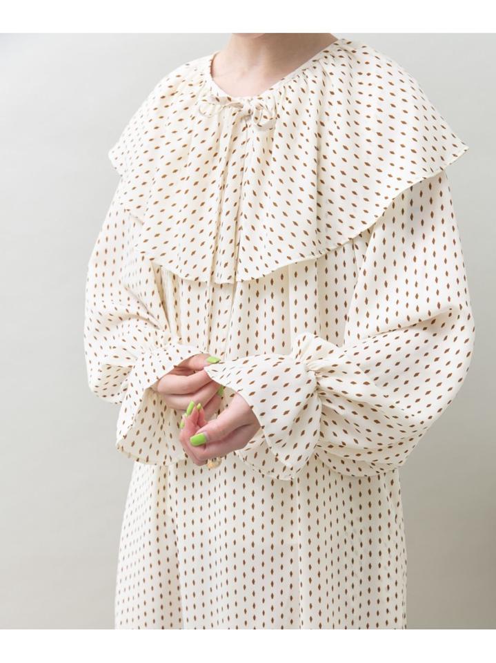 Lab. 衿付きダイヤドットワンピース
