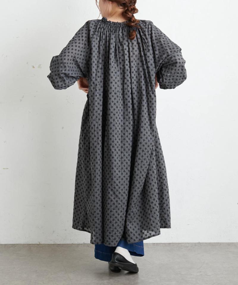 綿帽子刺繍ワンピース