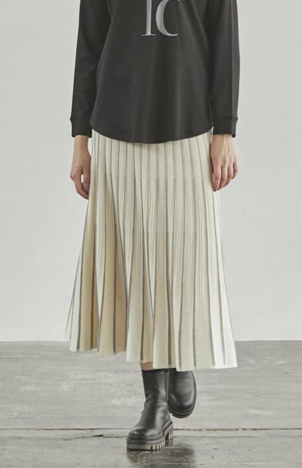 [kuih割 11/3 14時まで10%off] アンブレラピンタックニットスカート
